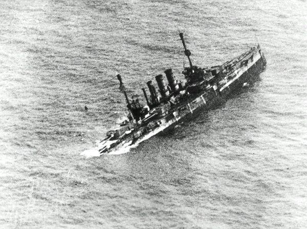 https://www.sms-navy.com/bb/SMS_Ostfriesland_12632_sinking.jpg